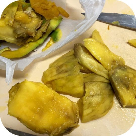マンゴー 食べ頃 コストコ 食べ頃を見逃さないマンゴーの見分け方 上手に追熟できる保存法【果物ガイド】